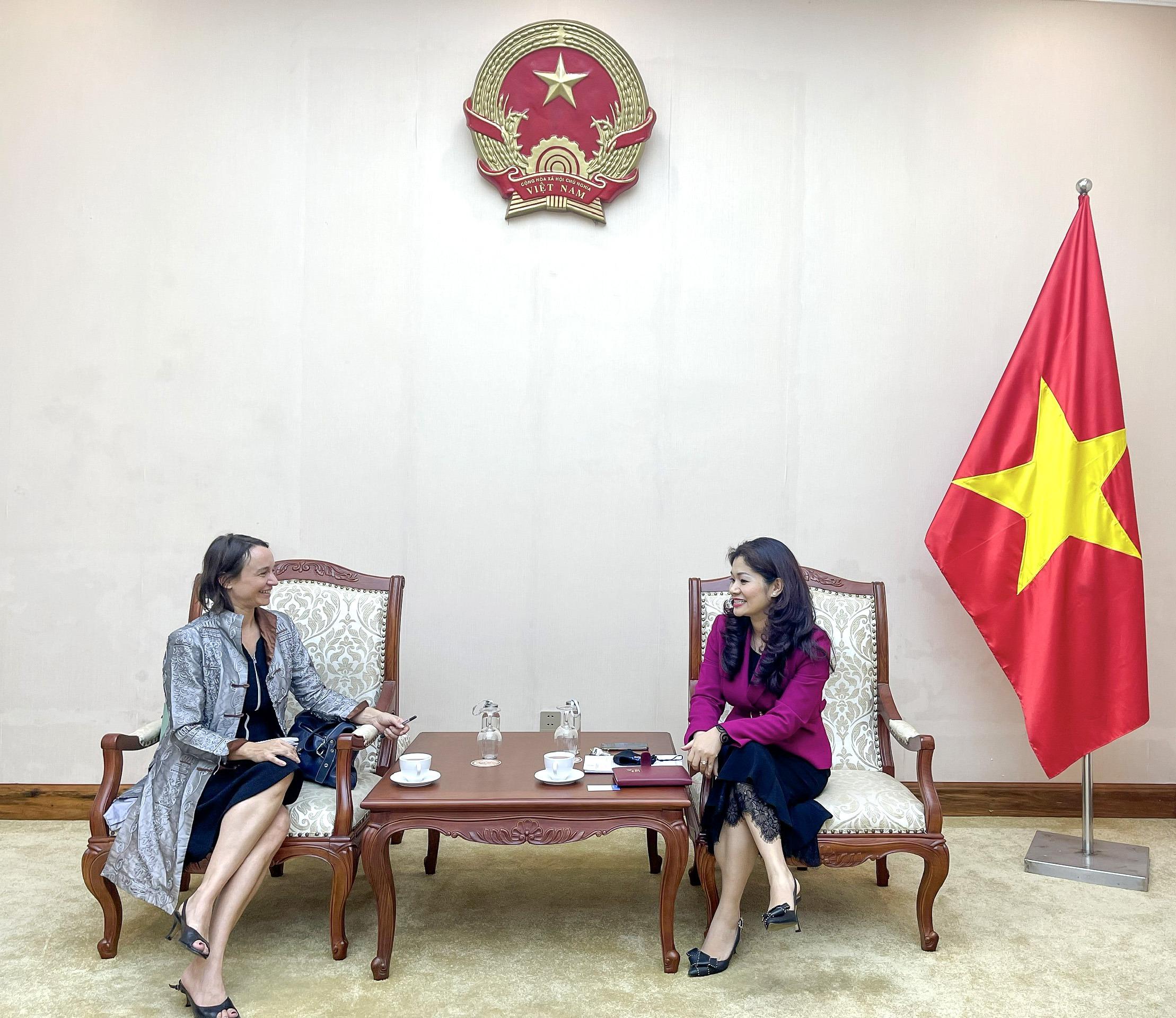 Cục trưởng Cục Hợp tác quốc tế làm việc với  Tham tán Văn hóa và hợp tác, Đại sứ quán Pháp tại Việt Nam