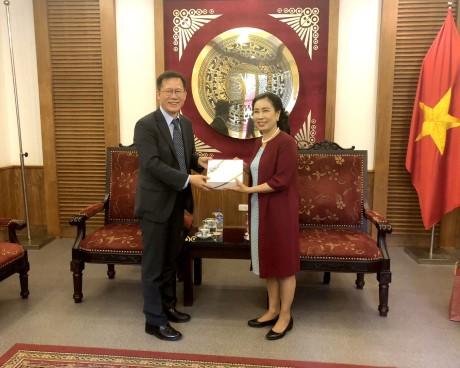 Thứ trưởng Đặng Thị Bích Liên tiếp và làm việc với Ông Keum Gihyung, Cục trưởng Cục Chính sách Du lịch Hàn Quốc