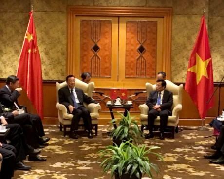 Hội đàm giữa Bộ trưởng Bộ Văn hoá, Thể thao và Du lịch Nguyễn Ngọc Thiện và Bộ trưởng Văn hoá Trung Quốc Lạc Thụ Cương