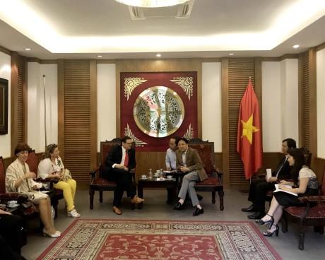 Đoàn  Ban điều hành Liên đoàn Văn hóa dân gian thế giới IGF thăm và làm việc tại Việt Nam