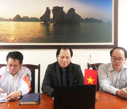 Phó Cục trưởng Cục Hợp tác quốc tế Trần Nhất Hoàng làm việc trực tuyến với Chủ tịch Phòng Thương mại Chile - Việt Nam về hợp tác du lịch và thể thao