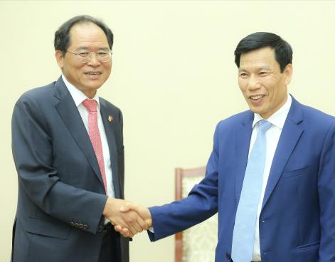 Bộ trưởng Nguyễn Ngọc Thiện tiếp Tân Đại sứ Hàn Quốc tại Việt Nam