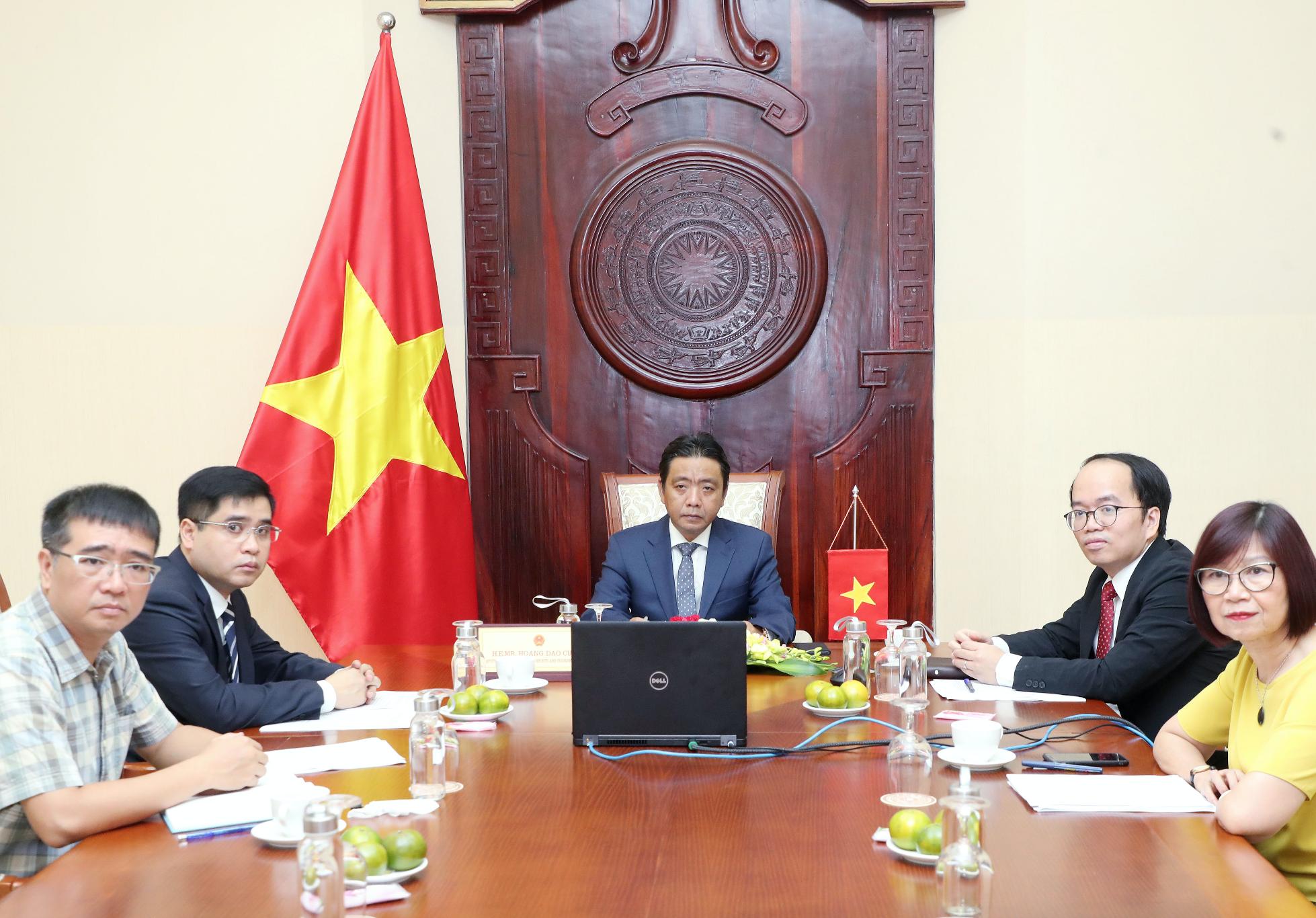 Thứ trưởng Hoàng Đạo Cương tham dự và phát biểu tại Phiên Khai mạc Hội nghị quốc tế kỷ niệm 50 năm Công ước UNESCO 1970 về các biện pháp ngăn cấm xuất nhập khẩu và chuyển giao trái phép quyền sở hữu tài sản văn hóa