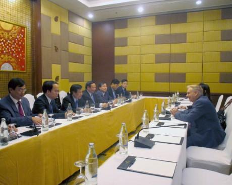 Bộ trưởng Nguyễn Ngọc Thiện tiếp xúc song phương  với Giám đốc điều hành Hiệp hội Du lịch Châu Á-Thái Bình Dương  tại Diễn đàn Du lịch ASEAN 2018
