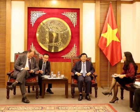 Bộ trưởng Nguyễn Ngọc Thiện tiếp Đại sứ CHLB Đức tại Việt Nam
