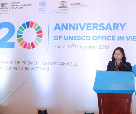 Thứ trưởng Trịnh Thị Thủy, Phó Chủ tịch Ủy ban quốc gia UNESCO Việt Nam tham dự Lễ kỷ niệm 20 năm ngày thành lập Văn phòng UNESCO Hà Nội