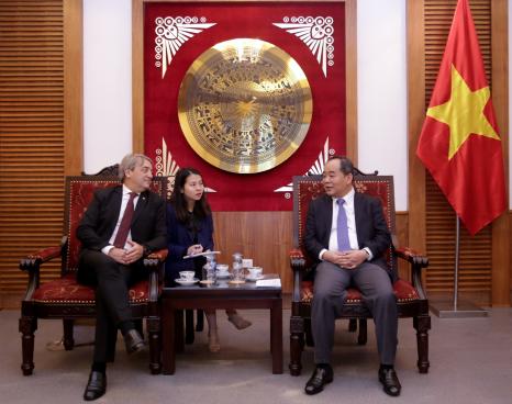 Thứ trưởng Lê Khánh Hải tiếp Tổng Thư ký Ban Thư ký Thể thao Quốc gia Cộng hòa Đông Uruguay đến chào xã giao