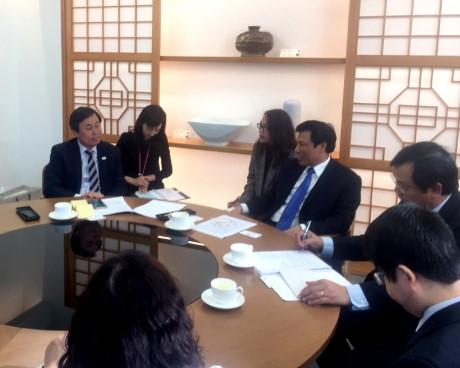 Bộ trưởng Nguyễn Ngọc Thiện thăm và làm việc tại Hàn Quốc