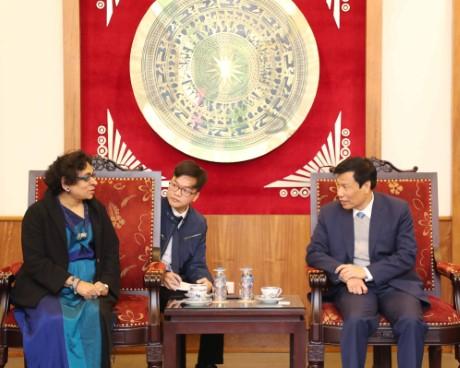 Bộ trưởng Nguyễn Ngọc Thiện tiếp Đại sứ Xri Lan-ca tại Việt Nam