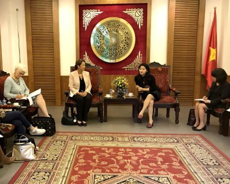 Tiếp Bà Solange De Harlez, Vụ trưởng Vụ Đông Nam Á, Tổng Vụ Hợp tác quốc tế, Cơ quan Ngoại giao Wallonie-Bruxelles