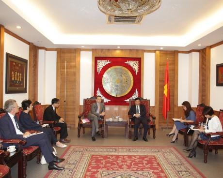 Bộ trưởng Nguyễn Ngọc Thiện tiếp xã giao  Đại sứ Pháp Ngài Bertrand Lortholary