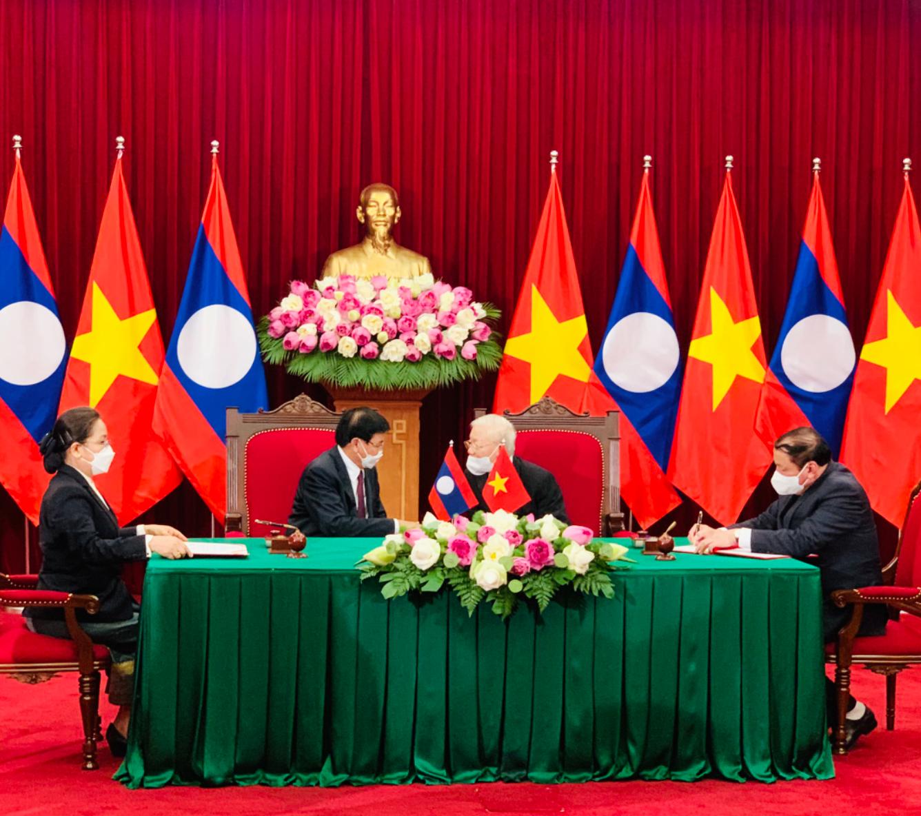 Ký kết Kế hoạch hợp tác về văn hóa nghệ thuật và du lịch  giai đoạn 2021-2025 giữa Bộ Văn hóa, Thể thao và Du lịch Việt Nam  và Bộ Thông tin, Văn hóa và Du lịch Lào