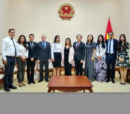 Lãnh đạo Cục Hợp tác quốc tế làm việc tiếp Đoàn công tác của Bộ Thương mại, Công nghiệp và Du lịch Colombia