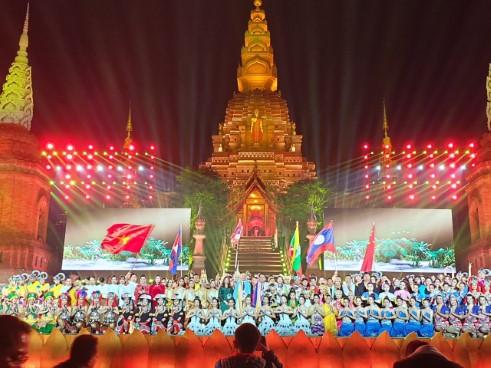 Nhà hát Tuổi Trẻ  tham dự liên hoan nghệ thuật quốc tế các nước Mê Công-Lan Thương tại Cảnh Hồng, Vân Nam, Trung Quốc.