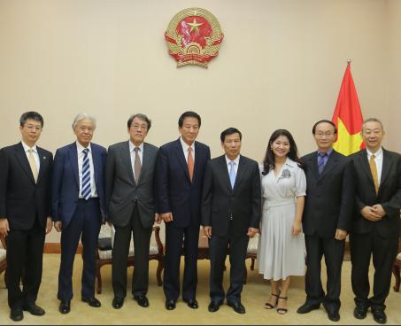Bộ trưởng Nguyễn Ngọc Thiện tiếp xã giao Đại sứ đặc biệt Nhật-Việt/ Việt-Nhật
