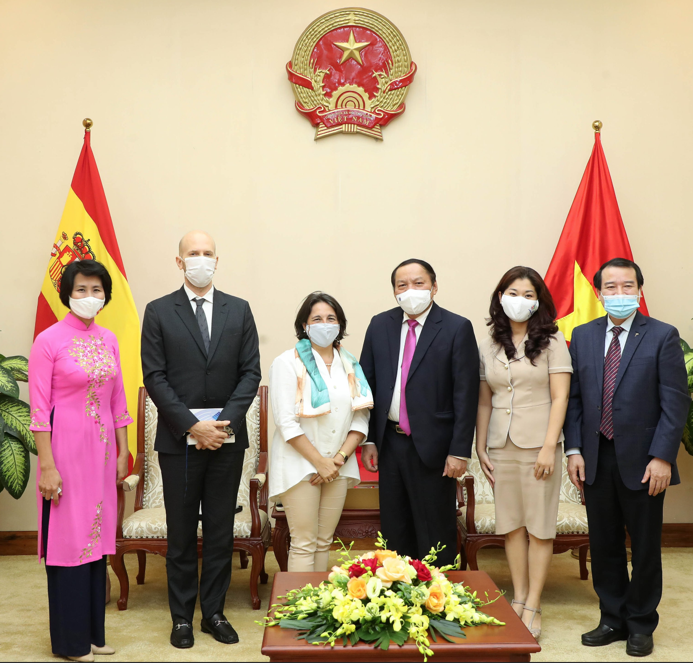 Bộ trưởng Nguyễn Văn Hùng đề nghị Tây Ban Nha hỗ trợ vaccine phòng chống Covid-19 cho Phú Quốc