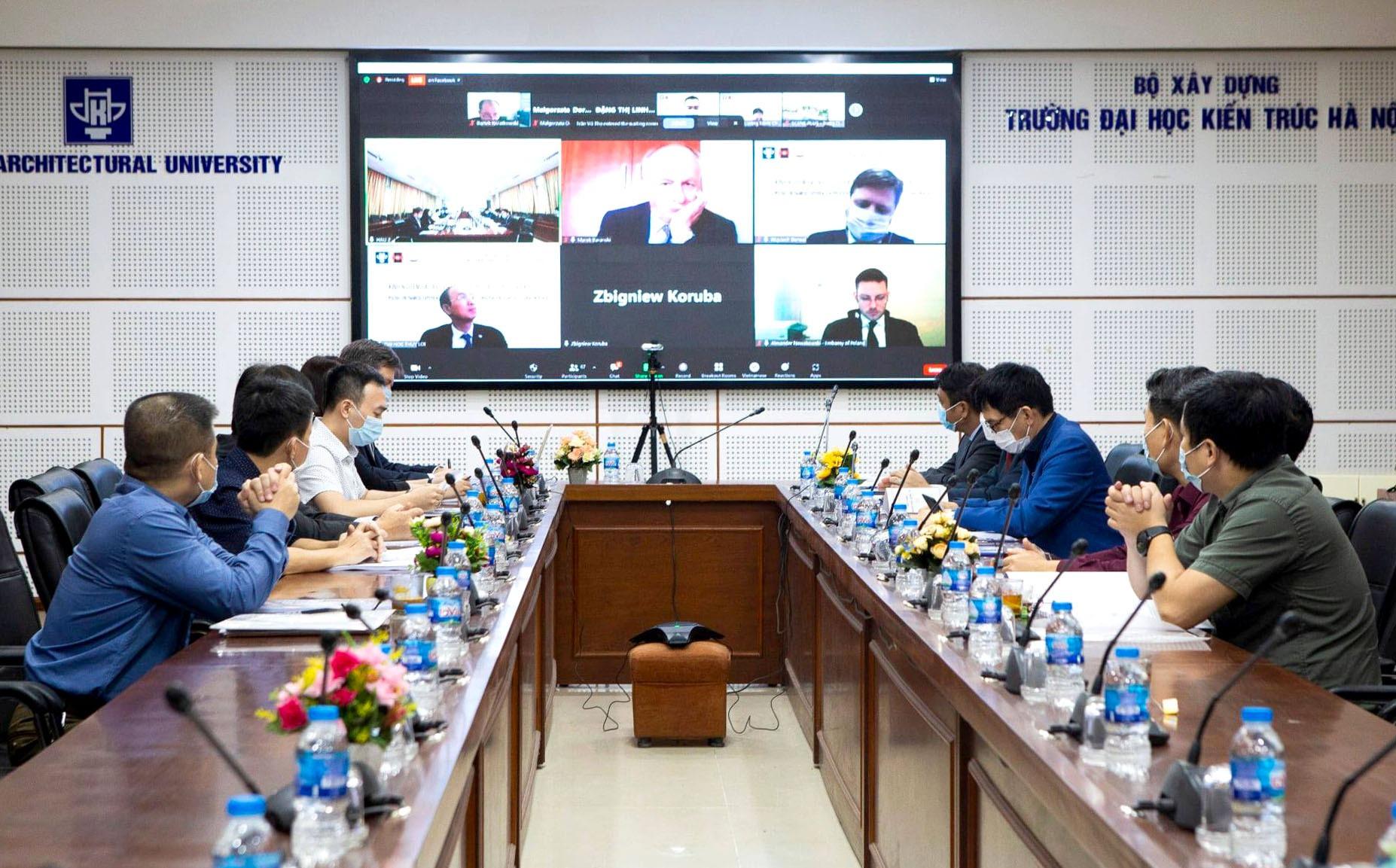 """Thứ trưởng Hoàng Đạo Cương khai mạc Hội thảo Khoa học quốc tế """"Kinh nghiệm Việt Nam-Ba Lan trong bảo quản hiện vật và bảo tồn di sản kiến trúc"""""""