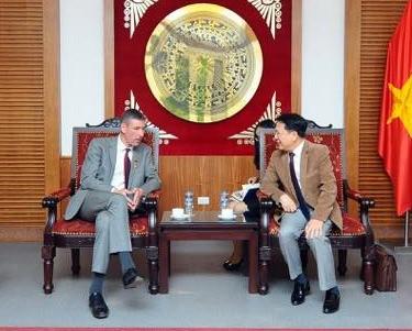 Thứ trưởng Vương Duy Biên đã tiếp Đại sứ Anh tại Việt Nam Giles Lever sang chào từ biệt, kết thúc nhiệm kỳ tại Việt Nam