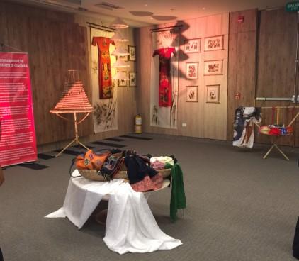 Khai mạc triển lãm ảnh và thủ công mỹ nghệ Việt Nam tại Colombia