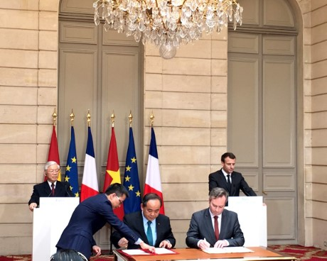 Ký Ý định thư giữa Bộ Văn hóa, Thể thao và Du lịch nước Cộng hòa xã hội chủ nghĩa Việt Nam và Bộ Châu Âu và Ngoại giao nước Cộng hòa Pháp  về hợp tác trong lĩnh vực du lịch