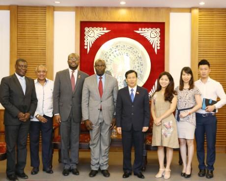 Bộ trưởng Nguyễn Ngọc Thiện tiếp Chủ tịch Ủy ban Văn hóa và Du lịch Thượng viện Haiti