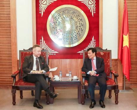 Bộ trưởng Nguyễn Ngọc Thiện tiếp Đại sứ CH Séc Vitezslav Grepl