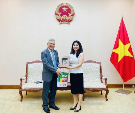 Cục trưởng Cục Hợp tác quốc tế tiếp và làm việc với Đại sứ Indonesia tại Việt Nam