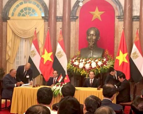 Ký kết Chương trình hợp tác về văn hóa giữa Bộ Văn hóa, Thể thao và Du lịch Việt Nam và Bộ Văn hóa Ai- Cập giai đoạn 2017-2021 và Chương trình hợp tác về du lịch Bộ Văn hóa, Thể thao và Du lịch Việt Nam và Bộ Du lịch Ai- Cập giai đoạn 2017-2019