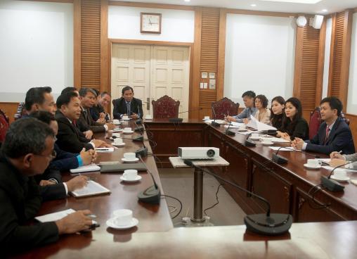 Thứ trưởng Lê Quang Tùng đã tiếp và làm việc với Đoàn Bộ Thông tin, Văn hóa và Du lịch Lào
